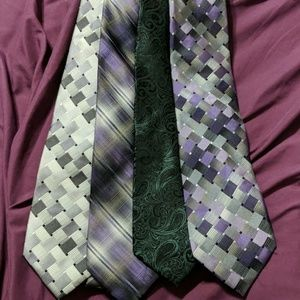 Bundle of 4 Can Heusen Ties